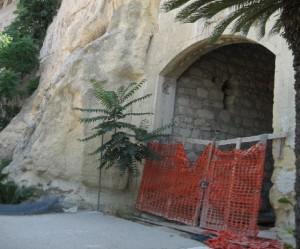 L'ingresso dei grottoni.