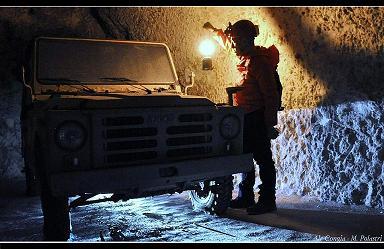 Una macchina nel sottosuolo. Foto Ale Congia.
