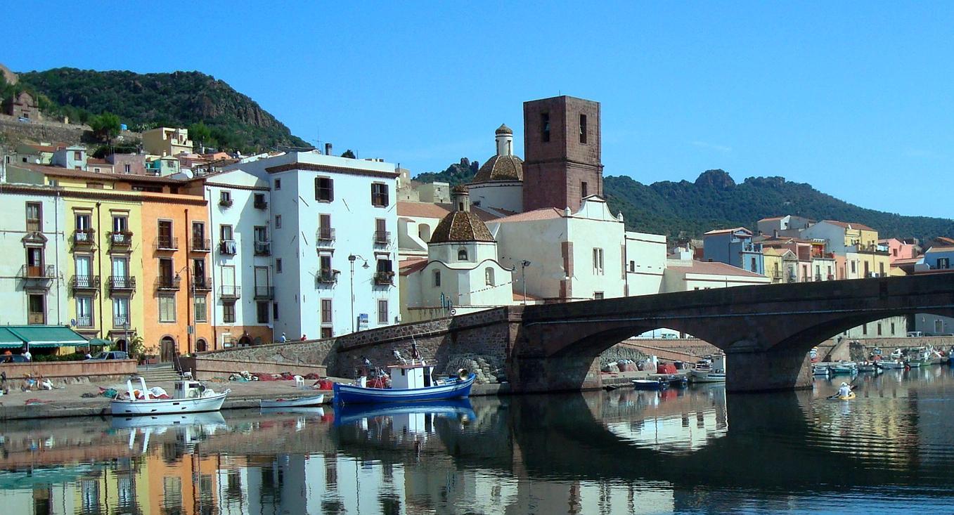 Bosa marina, uno dei più spettacoli borghi italiani