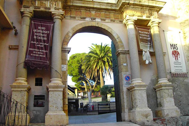 L'ingresso della Cittadella dei Musei di Cagliari.