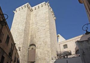 Cagliari_Torre_elefante_v