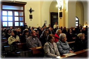 Nella Chiesa dei cappuccini, ascoltando padre Tarcisio
