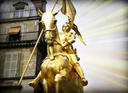 Jeanne d'Arc o Giovanna d'Arco, a Cagliari la statua leggendaria