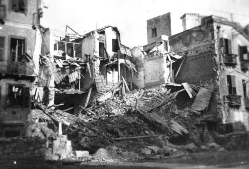 La città martoriata dalle bombe