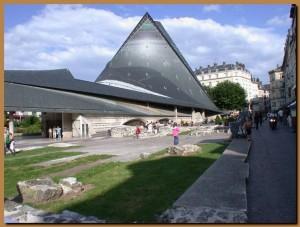 Rouen_piazza_Mercato_Vecchio_Giovanna_Arco
