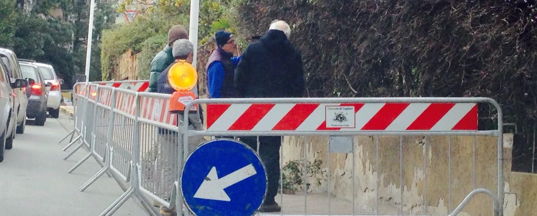 Bufera a Cagliari: crolla un muro e piovono calcinacci