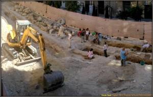 Archeologi al lavoro a Cagliari.