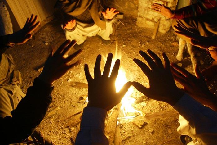 cerchio-mani-con-fuoco