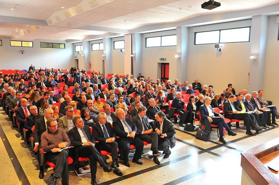 L'aula magna del Seminario di Cagliari. Foto: Furio Casini.