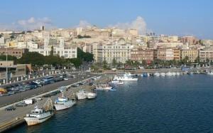 il Porto di Cagliari. A sinistra la Calata Sant'Agostino.