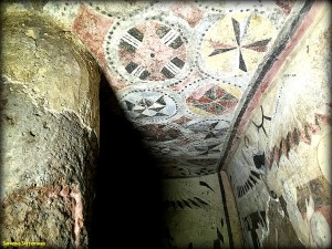 Bellissime pitture nella Tomba del Capo.