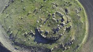 Un nuraghe sepolto visto dal drone