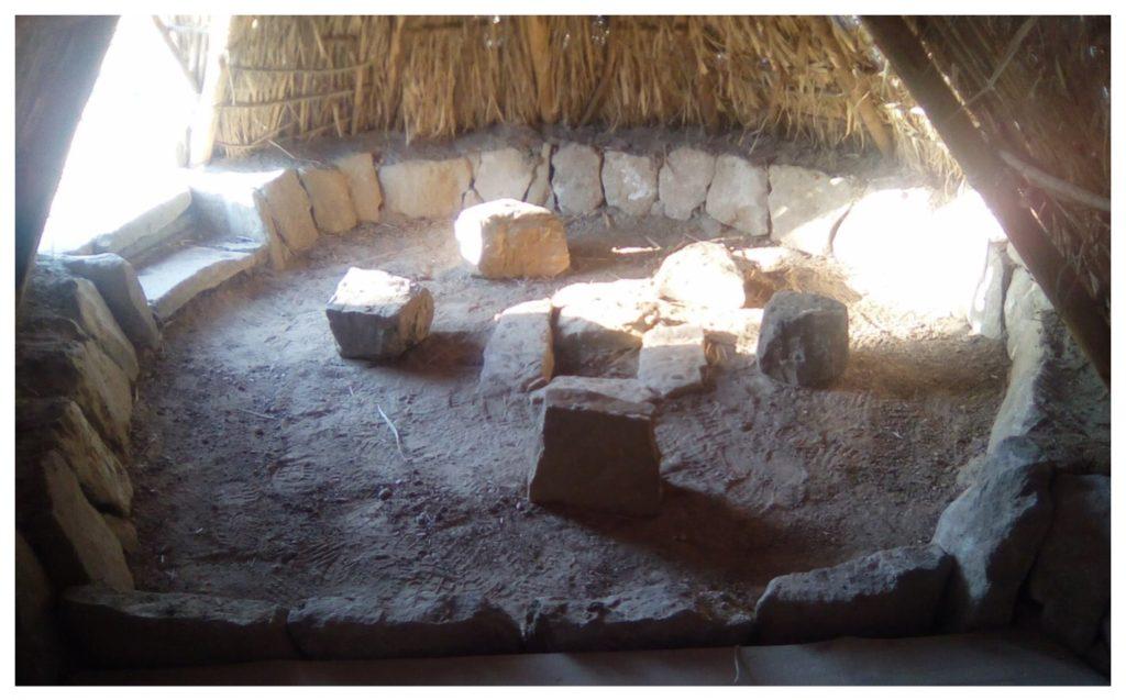 Dentro la capanna preistorica