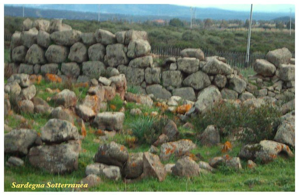 Il muro ciclopico del nuraghe Seruci, a Gonnesa.