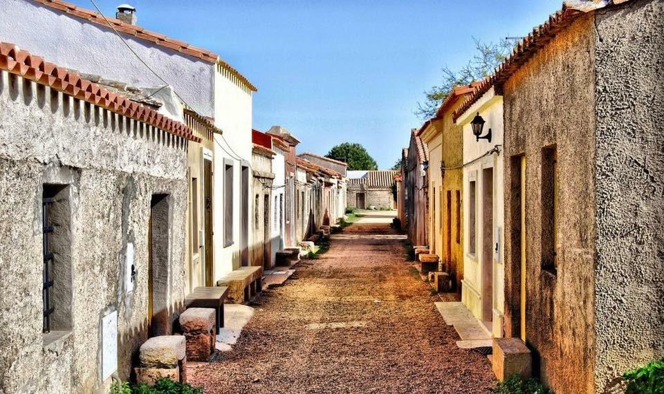 Il paese di San Salvatore di Cabras, nel Sinis di Oristano.