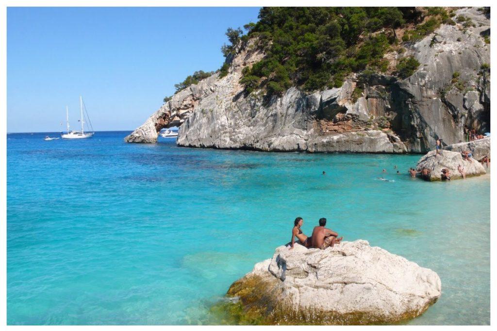 La zona paradisiaca delle Grotte sarde del Bue Marino.