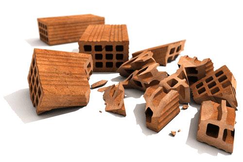 I mattoni e la casa distrutta sono spesso presenti ne Is Frastimus